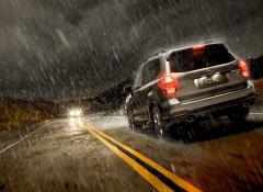 Cuidados na estrada em dia de chuva