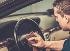 4 dicas incríveis para limpar o interior do seu carro