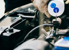 Qual é a hora certa de trocar cada fluido do seu carro?
