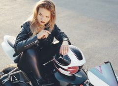 Mulheres estão mais adeptas a usar motocicletas