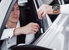 Ter um carro próprio continua sendo desejo entre os jovens, diz pesquisa norte-americana