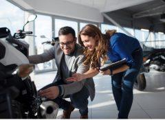 Procura por motos cresce em 2020 impulsionada pelos serviços de entregas